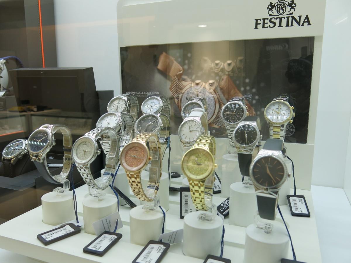 ... KLENOTNICTVÍ JOLLEO - rozšiřujeme nabídku šperků a hodinek ... 82f858da55