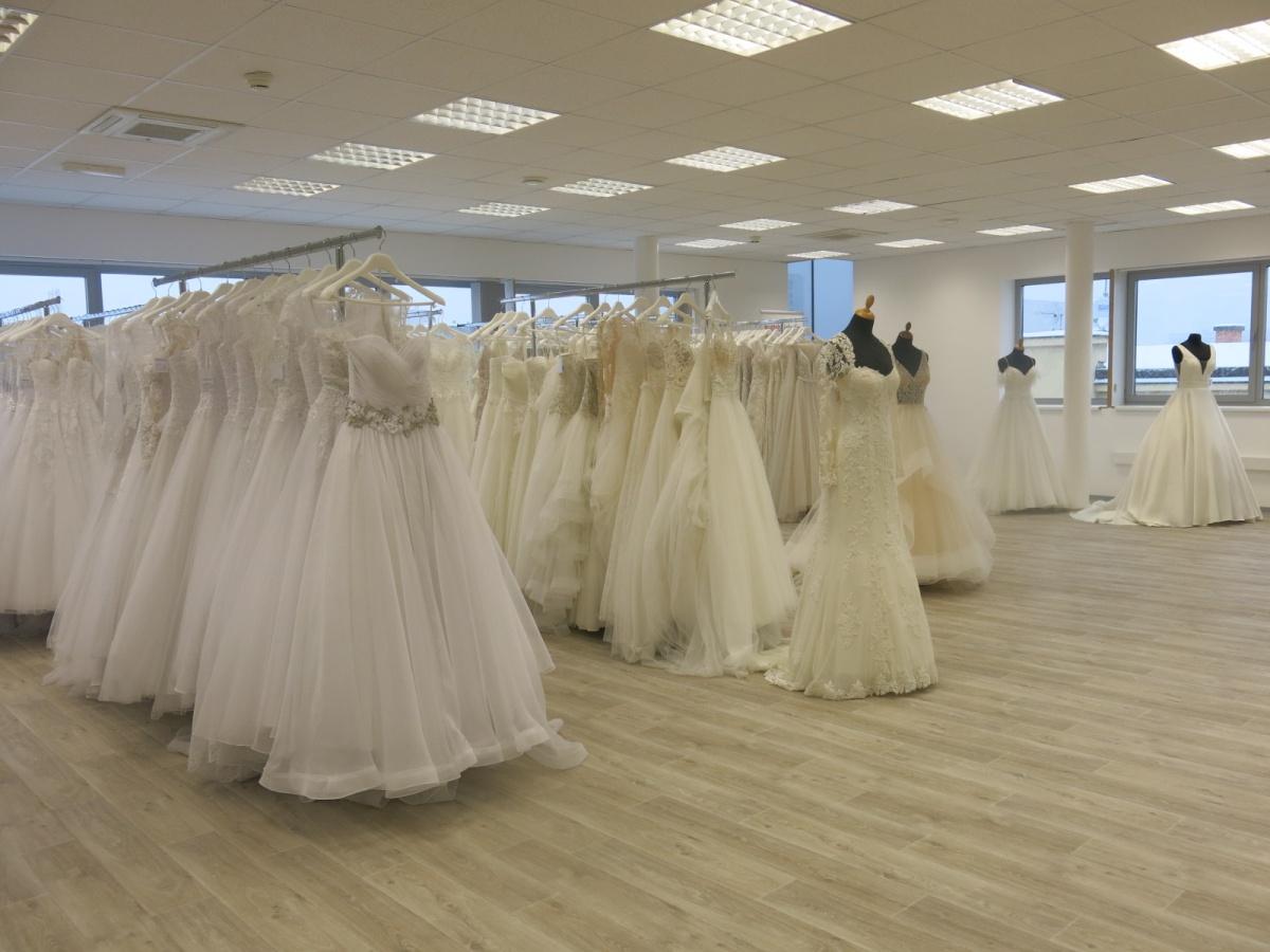 Svatební studio Dany Svozílkové otevřeno! 424ee3032a