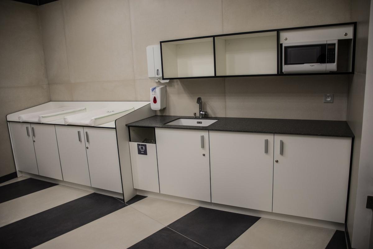 62b2965bbaef ... Zrekonstruované toalety již opět v provozu